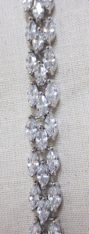 John-Zimmerman-Couture-Bracelets-Model-Slinky-Gallery-Image-3
