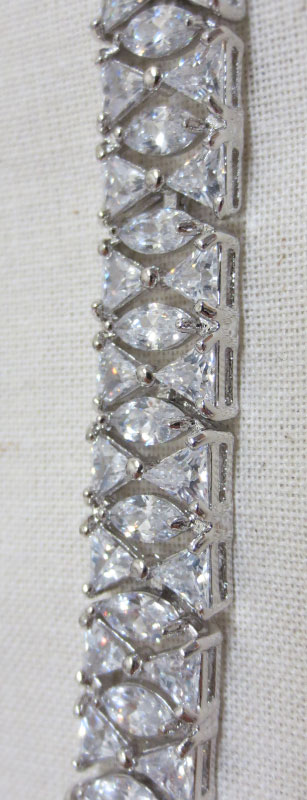 John-Zimmerman-Couture-Bracelets-Model-Magnifique-Gallery-Image-3