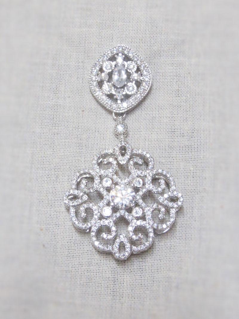 John-Zimmerman-Couture-Earrings-Model-Arabian-Gallery-Image-1