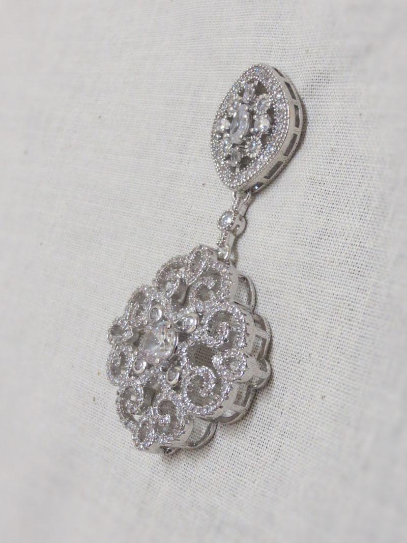 John-Zimmerman-Couture-Earrings-Model-Arabian-Gallery-Image-3