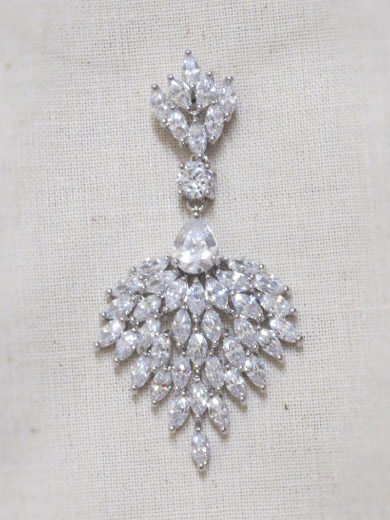 John-Zimmerman-Couture-Earrings-Model-Chandellier-Gallery-Image-1
