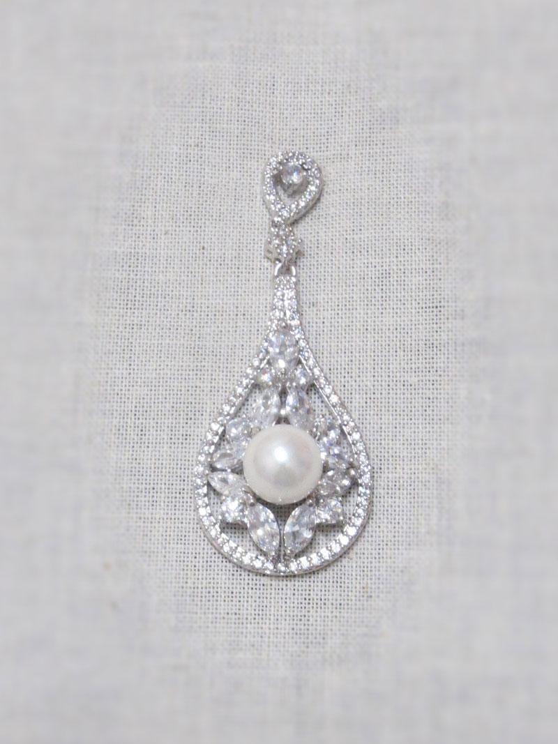 John-Zimmerman-Couture-Earrings-Model-Chapel-Gallery-Image-1