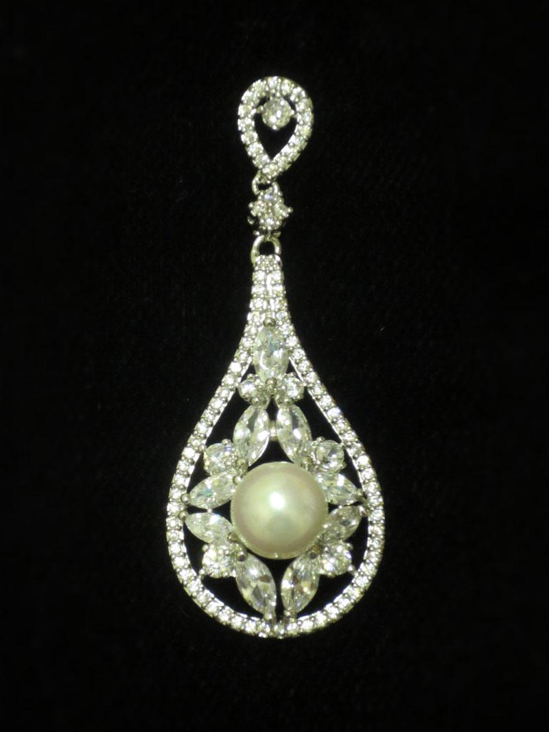 John-Zimmerman-Couture-Earrings-Model-Chapel-Gallery-Image-2