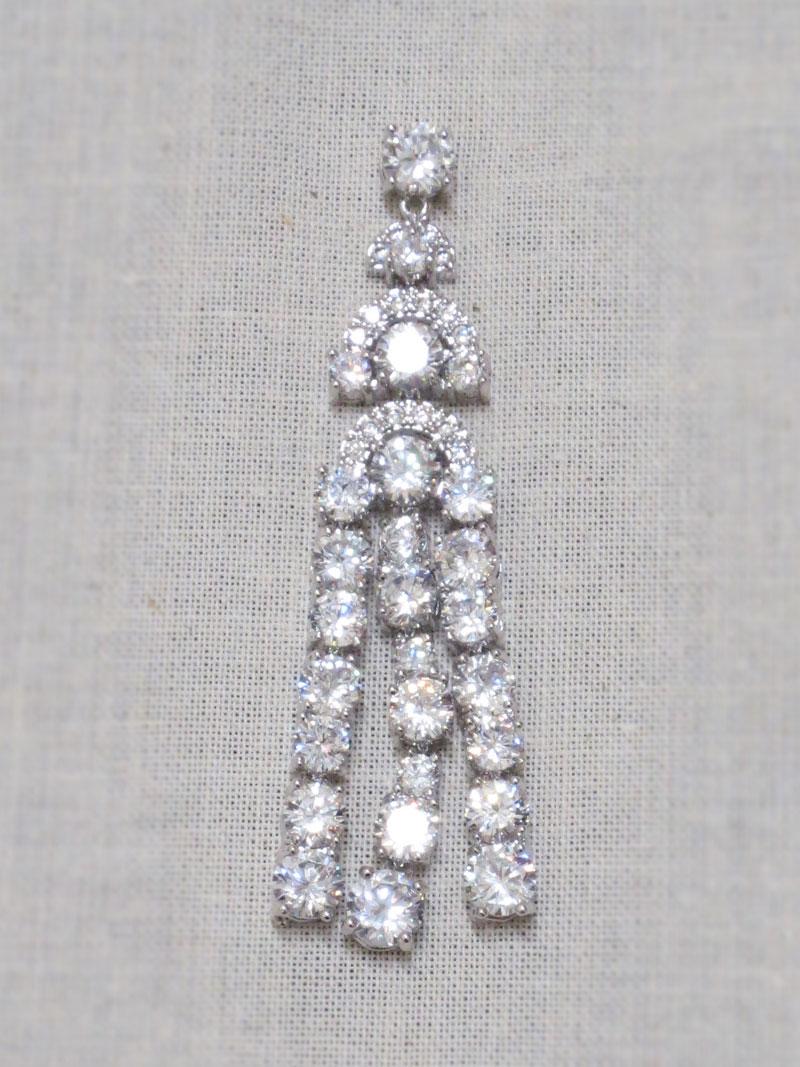 John-Zimmerman-Couture-Earrings-Model-Luxe-Gallery-Image-1