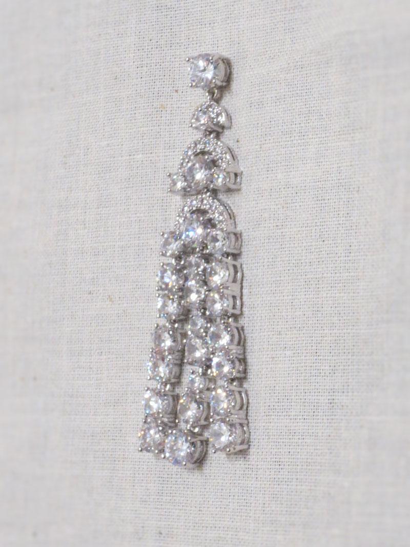 John-Zimmerman-Couture-Earrings-Model-Luxe-Gallery-Image-3
