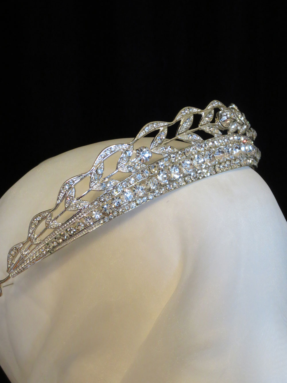 John-Zimmerman-Couture-Headpieces-and-Tiaras-Model-Chic-Gallery-Image-2
