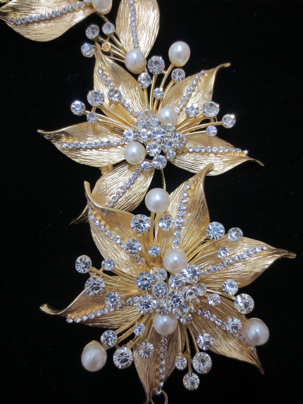 John-Zimmerman-Couture-Headpieces-and-Tiaras-Model-Dazzle-Gallery-Image-2