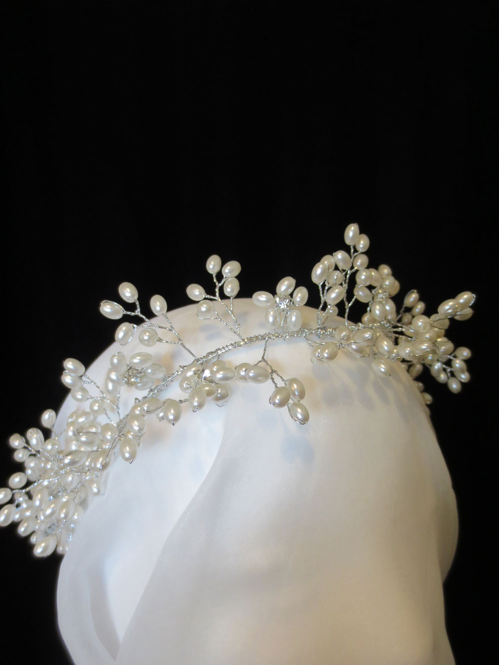 John-Zimmerman-Couture-Headpieces-and-Tiaras-Model-Light-Gallery-Image-1