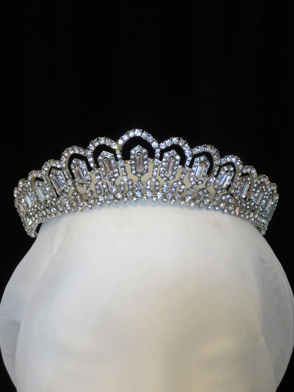 John-Zimmerman-Couture-Headpieces-and-Tiaras-Model-Mary-Gallery-Image-1