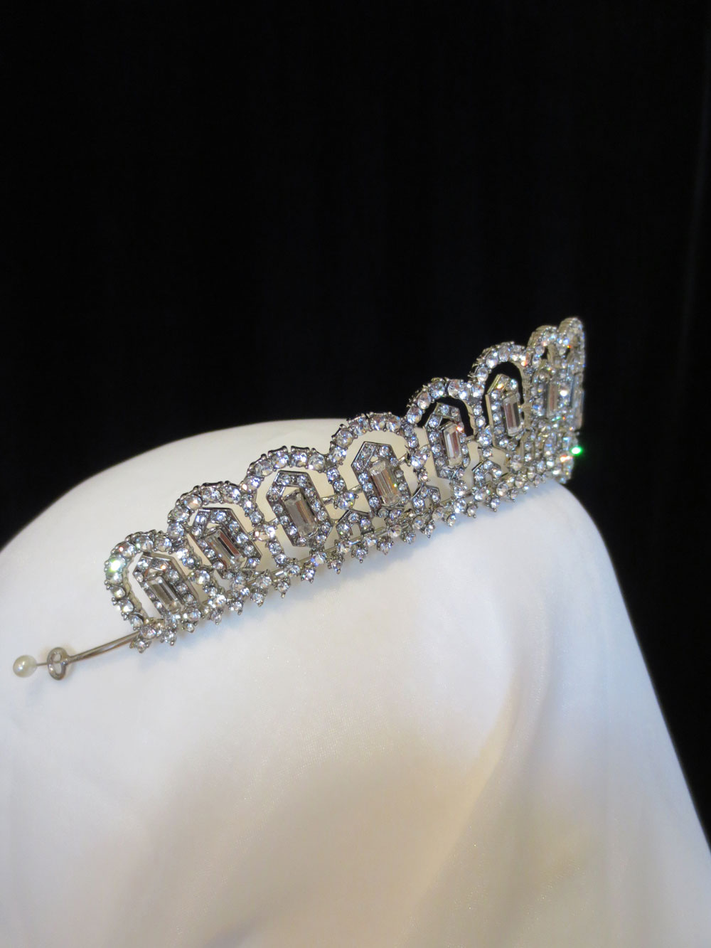 John-Zimmerman-Couture-Headpieces-and-Tiaras-Model-Mary-Gallery-Image-2