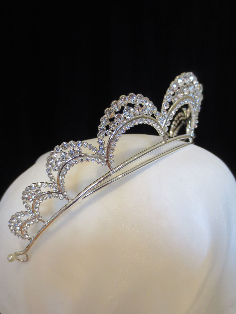 John-Zimmerman-Couture-Headpieces-and-Tiaras-Model-Opera-Gallery-Image-2