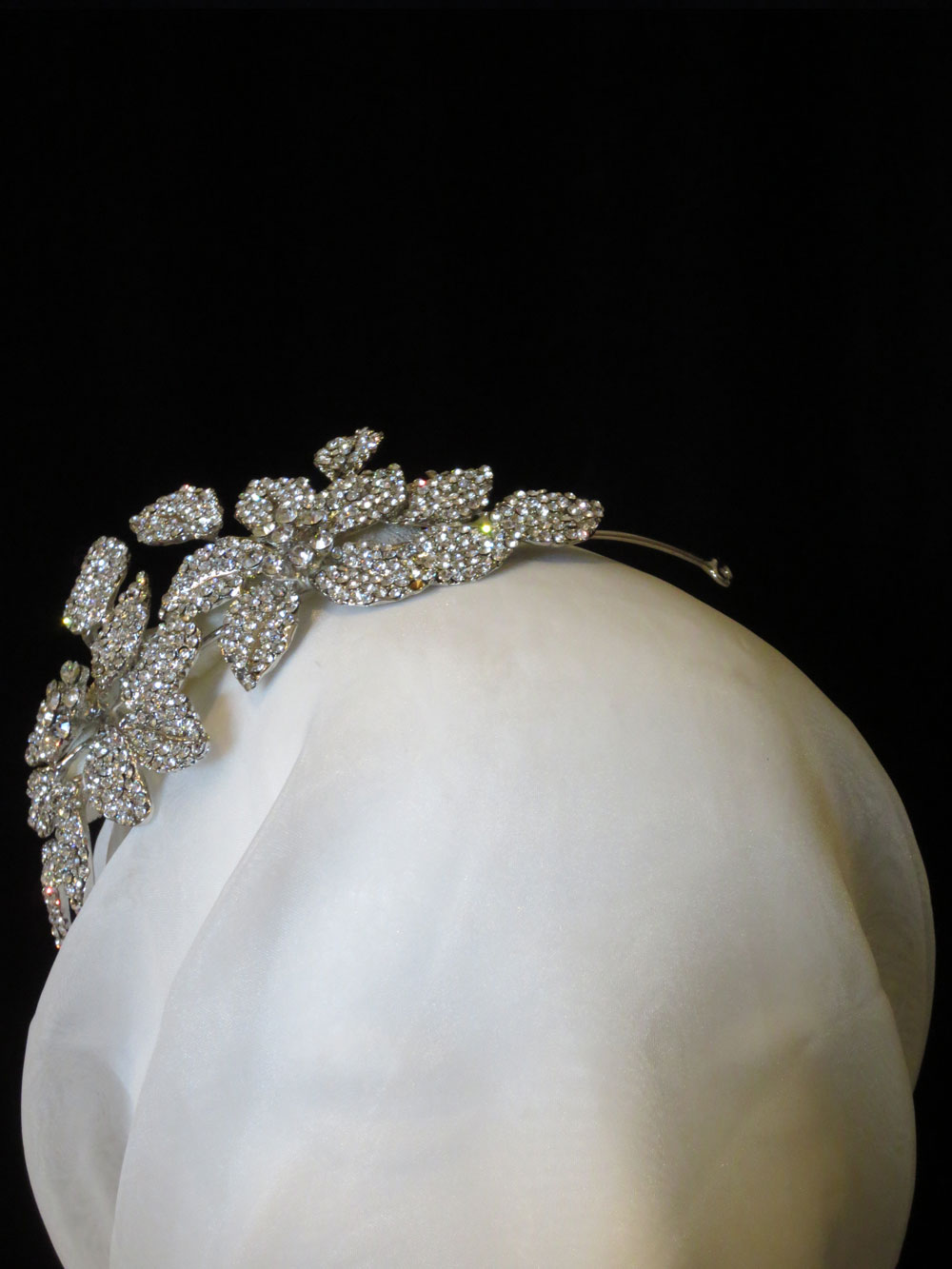 John-Zimmerman-Couture-Headpieces-and-Tiaras-Model-Pretty-Gallery-Image-2