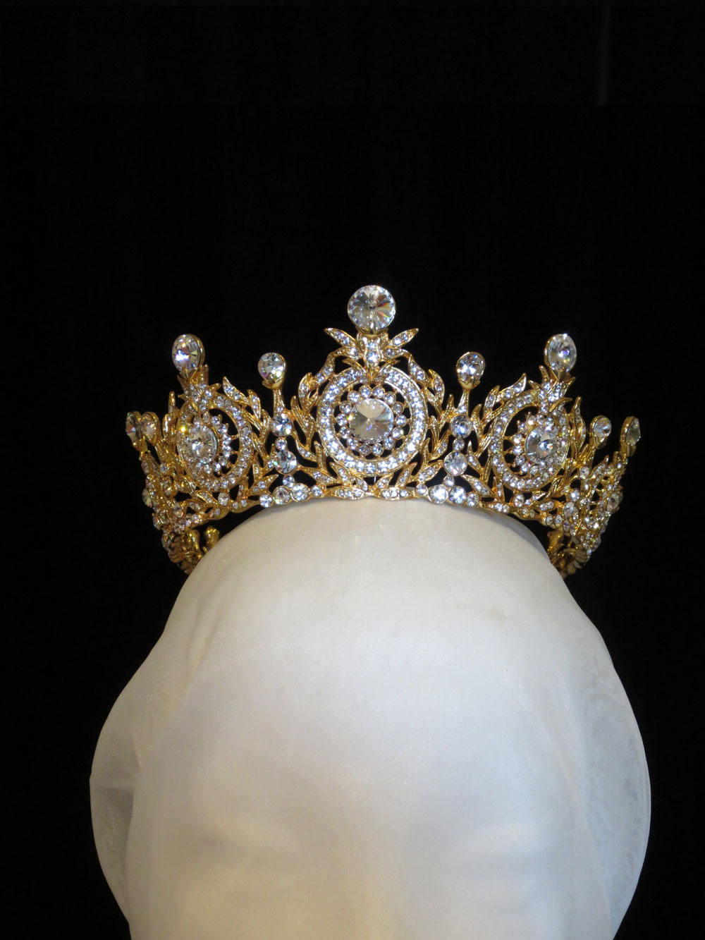 John-Zimmerman-Couture-Headpieces-and-Tiaras-Model-Queen-Gallery-Image-1