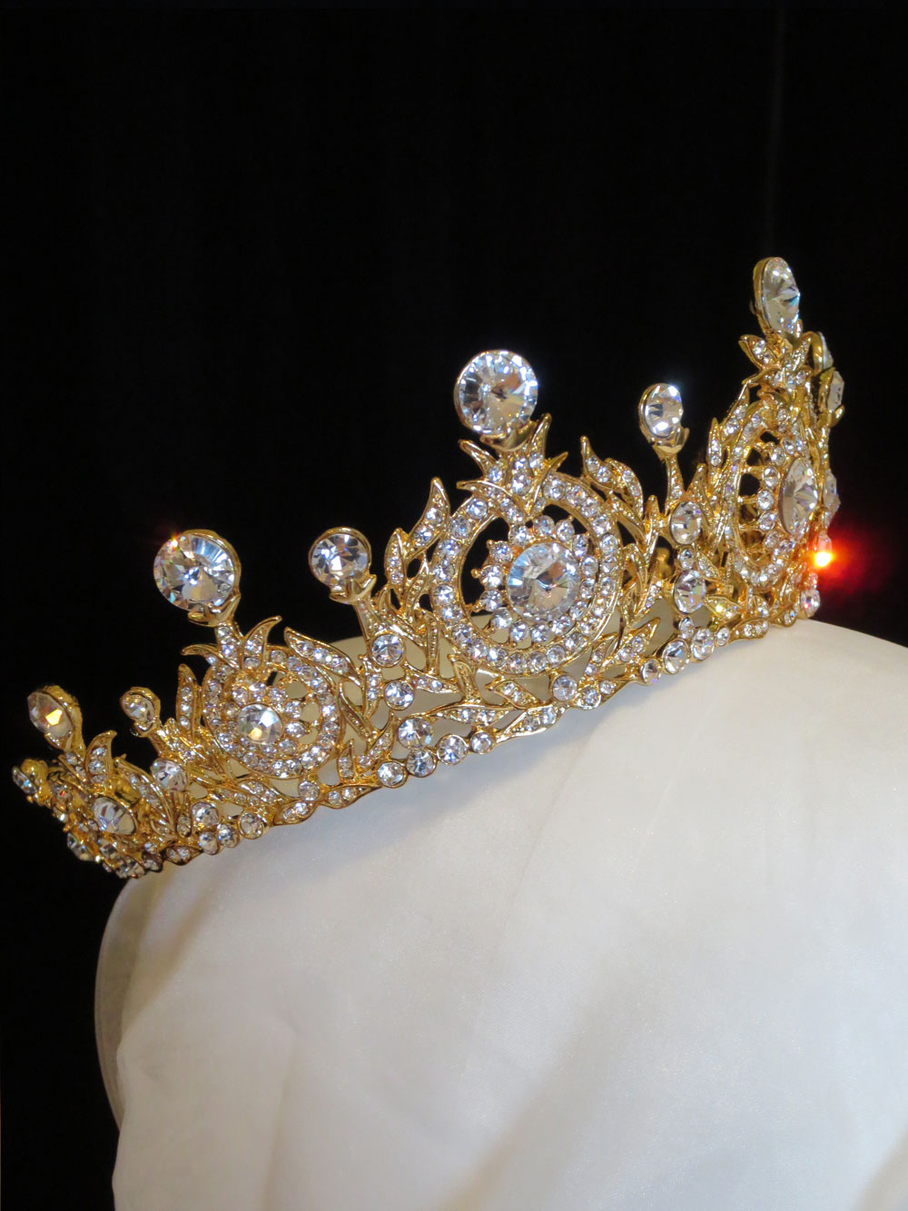 John-Zimmerman-Couture-Headpieces-and-Tiaras-Model-Queen-Gallery-Image-2